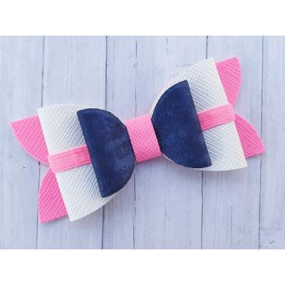 Grote strik blauw, wit en neon roze 8,5 x 4 cm op alligator clip