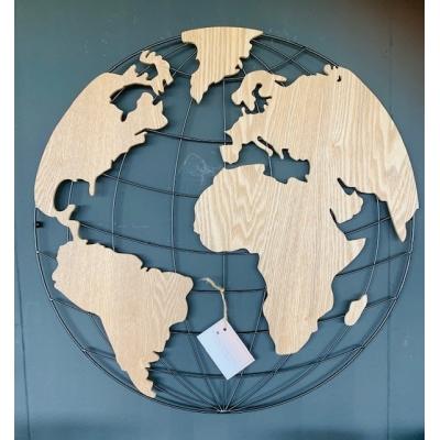 Houten wereld kaart