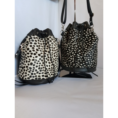 Bucketbag kleine dots,wit-zwart