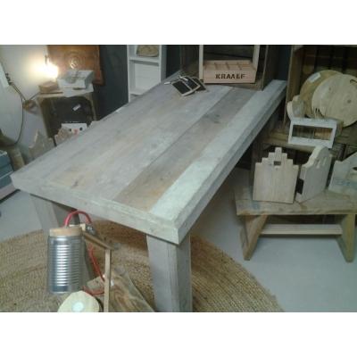 Tafel van oud steigerhout